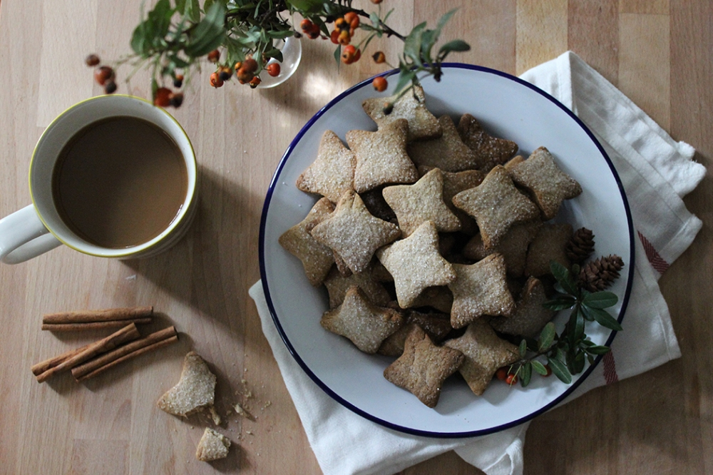 Cinnamon biscuits, friends and Christmas